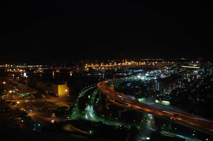 29階の展望フロアは、また違った夜景が広がります