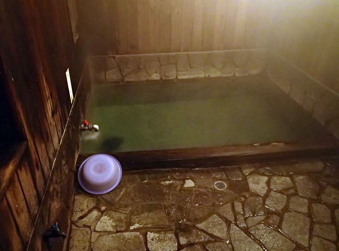"""源泉はあの""""湯畑""""。素朴で良質な湯「千代の湯」!時間湯体験も出来る"""