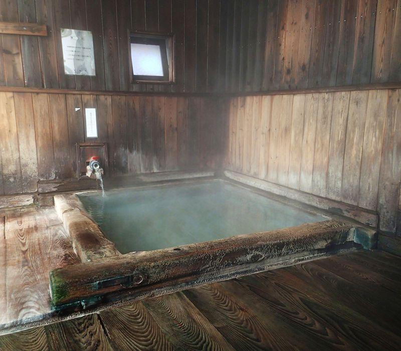 """この熱さが最高!""""温泉ツウが立寄る""""草津温泉共同浴場4選へ「はとバスフリープラン」で行ってみよう!"""