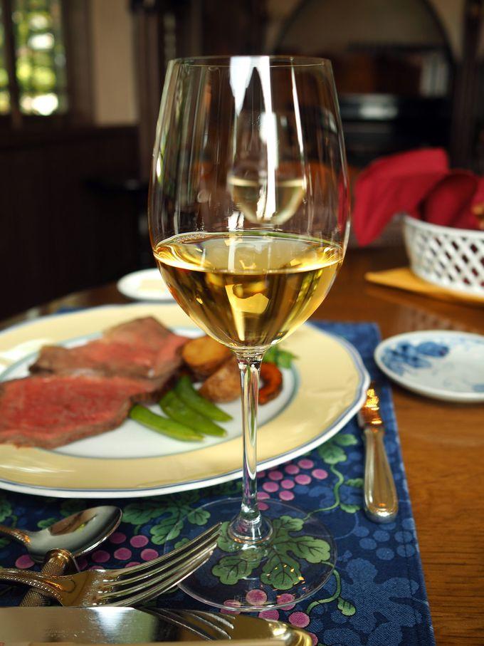 ローストビーフに一番合うのは、赤ではなく白ワイン!