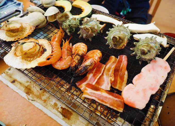 貝はもちろん、肉・海老・デザートなど約40種類が食べ放題!