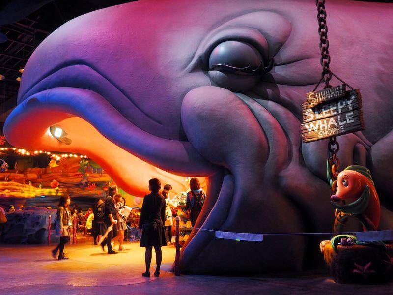 アリエルをお土産に!東京ディズニーシーで新ミュージカル・グッズが大人気