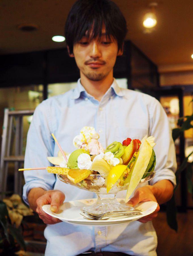 フルーツてんこもり!ホットケーキパフェ