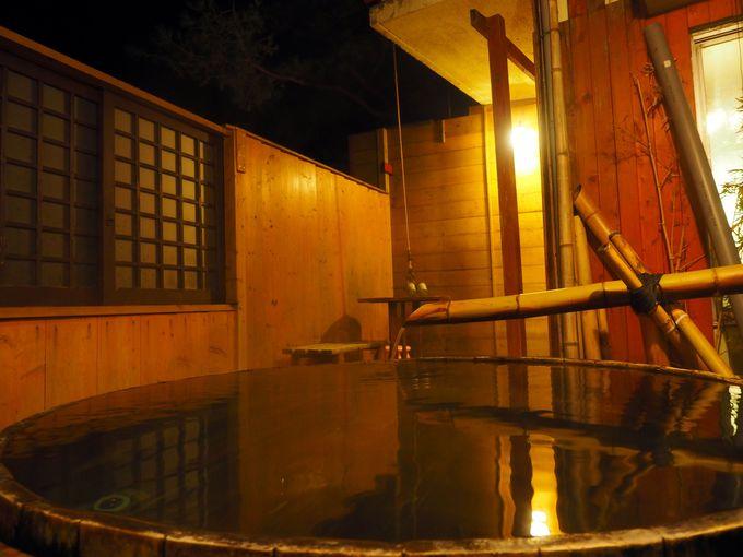 2種類の露天風呂が24時間貸切利用できる