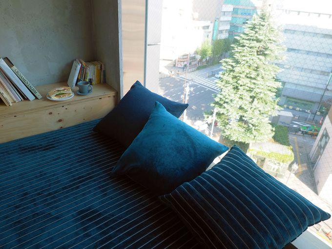 とっておきの場所はここ!東京を一望できる窓際の特等席