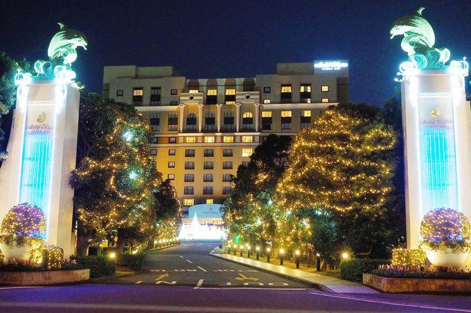冬になると輝きを増す並木道。ワクワクが募るホテルまでの道のり