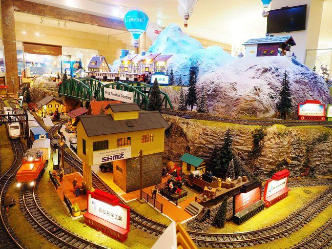 ヨーロッパの冬をイメージ。夢を乗せて運ぶ60平米の巨大鉄道ジオラマ