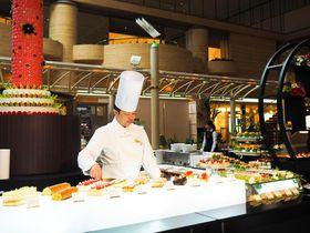 「ホテルニューオータニ大阪」1500円最高級ケーキ食べ放題の衝撃!!|大阪府|トラベルjp<たびねす>