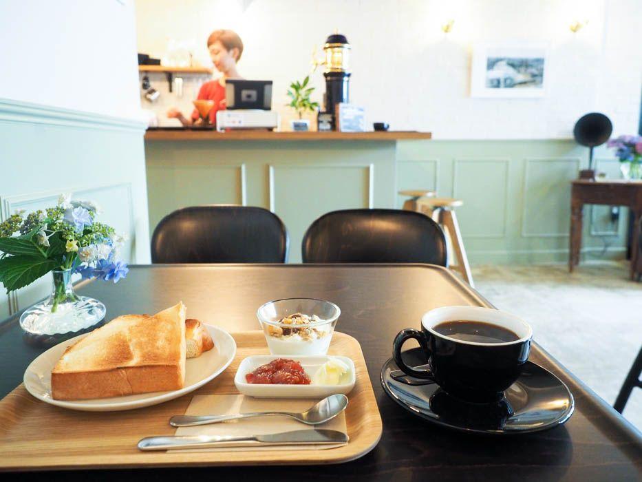 朝7時からOPEN!1杯300円のコーヒーで至福の朝食を