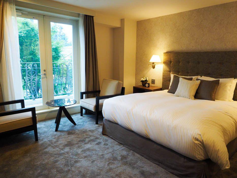 シモンズ社の最高級ベッドが置かれた客室