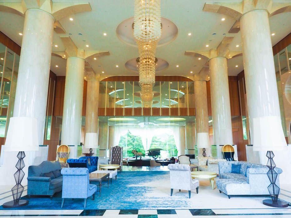 まるで白亜の宮殿!福島の人気ホテル「裏磐梯レイクリゾート」の圧倒的ゴージャスな魅力