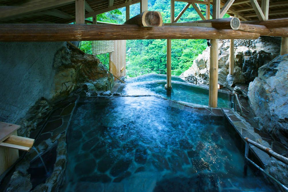 「幻の温泉郷」といわれた福島の名湯!会津・芦ノ牧温泉めぐり