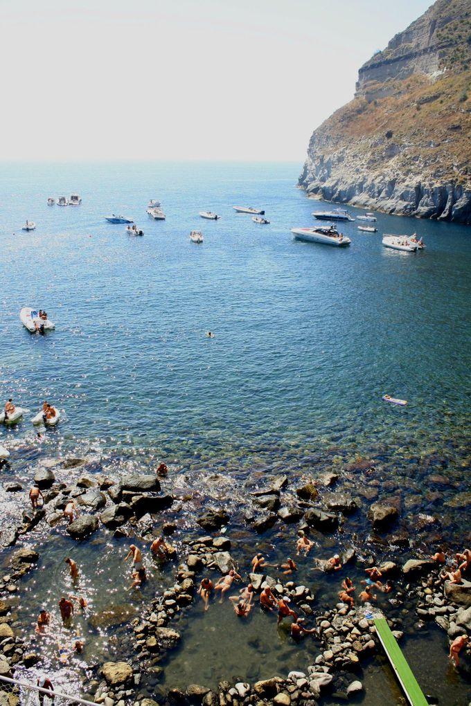 最高の岩風呂!眺望は地中海