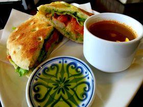 浜名湖畔のオリーブ農園直営「カフェ・オリーバ」で国産オリーブを召し上がれ!