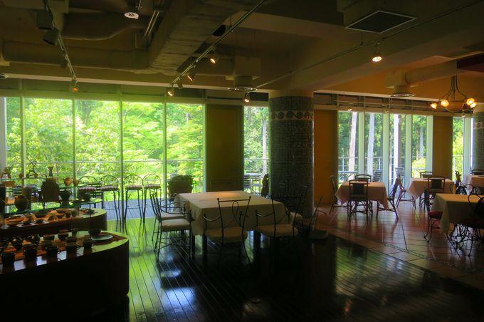 アートと森のレストラン「アンビション」