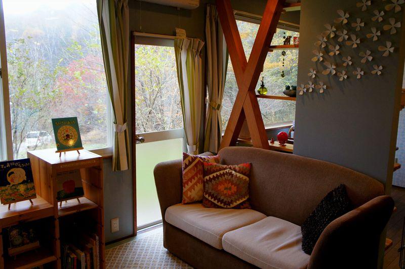 長野・車山高原「北欧風ペンションKUU」で森の香りに包まれる朝はいかが?