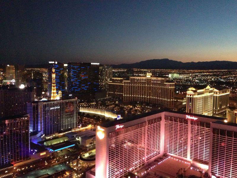 世界最大の観覧車「ハイ・ローラー」、ラスベガスの夜景はここで決まり!