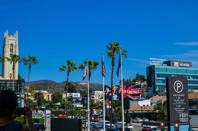 「ハリウッド&ハイランド」ではサインは小さい!