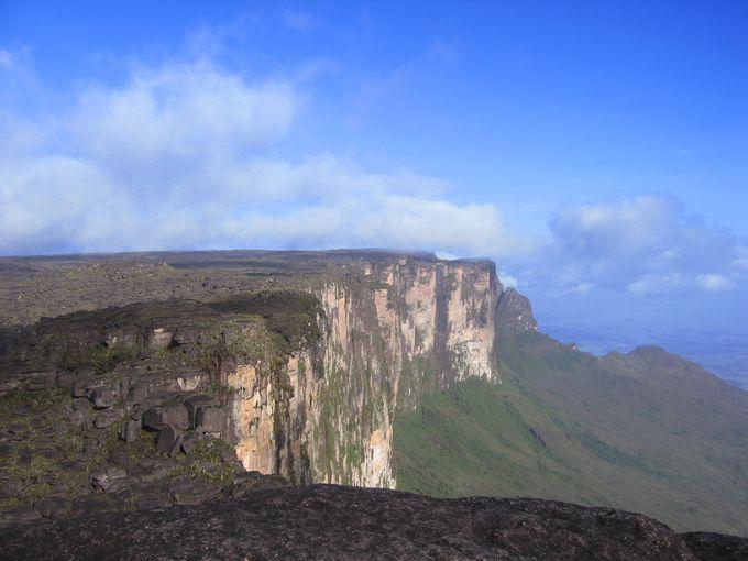 世界最後の秘境、ロライマ山頂は地球最古の姿