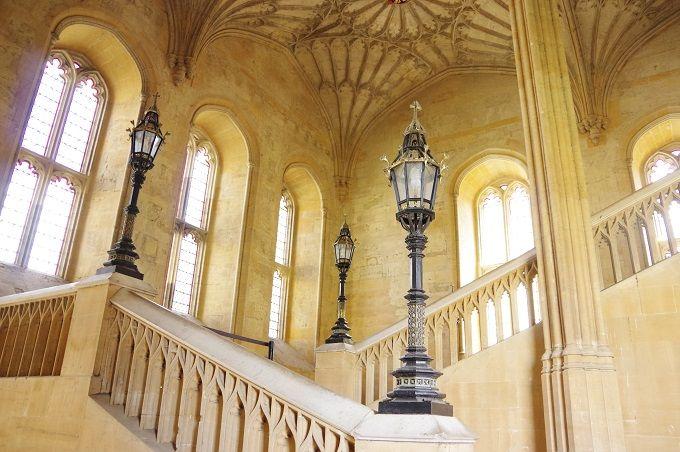 ザ・グレート・ホールへと続く階段も・・・