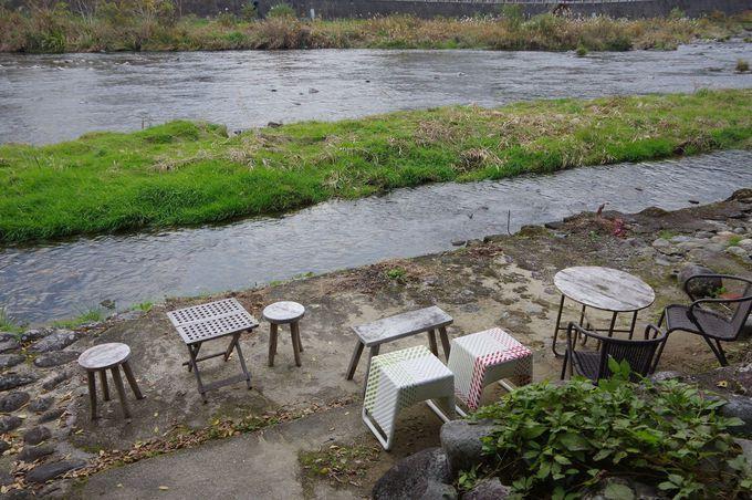 旭川を目の前に眺められるオープンカフェも!