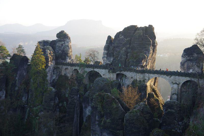 天空に架かる橋!「バスタイ橋」ドイツ・ザクセンスイス国立公園