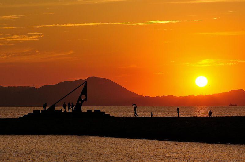沈み行く美しい夕陽を眺めに〜日本の夕陽100選「きららビーチ焼野」【山口県】