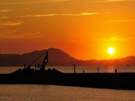 沈み行く美しい夕陽を眺めに~日本の夕陽100選「きららビーチ焼野」【山口県】|山口県|トラベルjp<たびねす>
