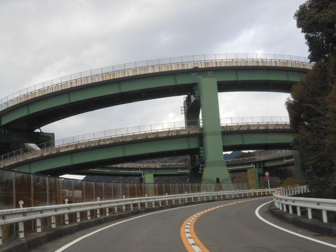 河津の名所!土木学会田中賞を受賞した権威ある橋「河津七滝ループ橋」