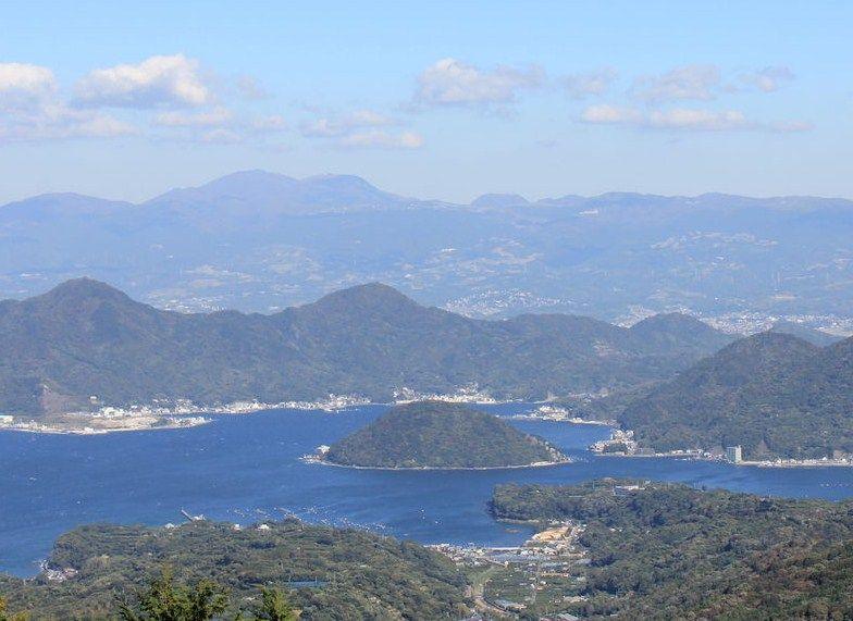駿河湾に浮かぶ無人島