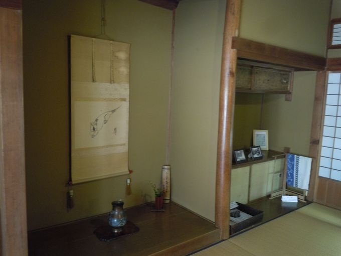 日本庭園の夏目漱石記念館