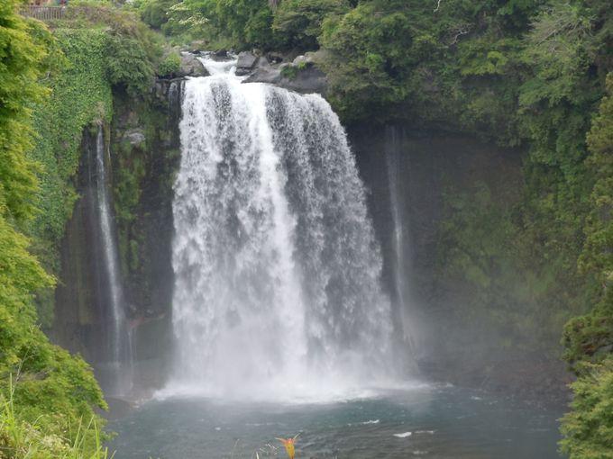 曽我兄弟の伝承が残る滝