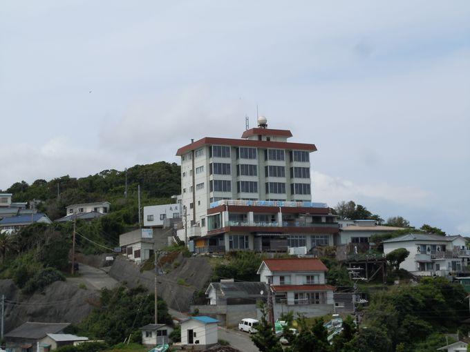 須崎半島の南端に建つ、海辺のお宿