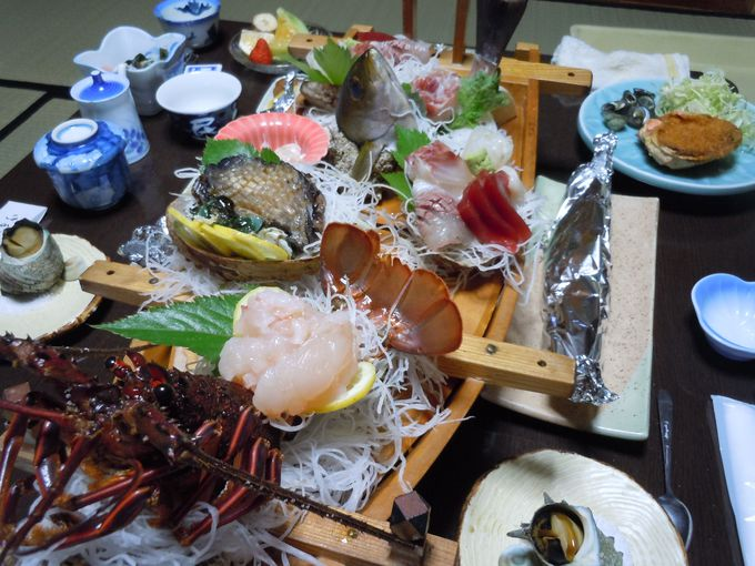 民宿を甘く見るな!旅館ホテルとは違う、豪快でゴージャスな海鮮料理!