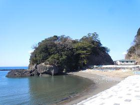カップルで一周すれば幸せになる島!?伊豆・松崎町「弁天島」|静岡県|トラベルjp<たびねす>
