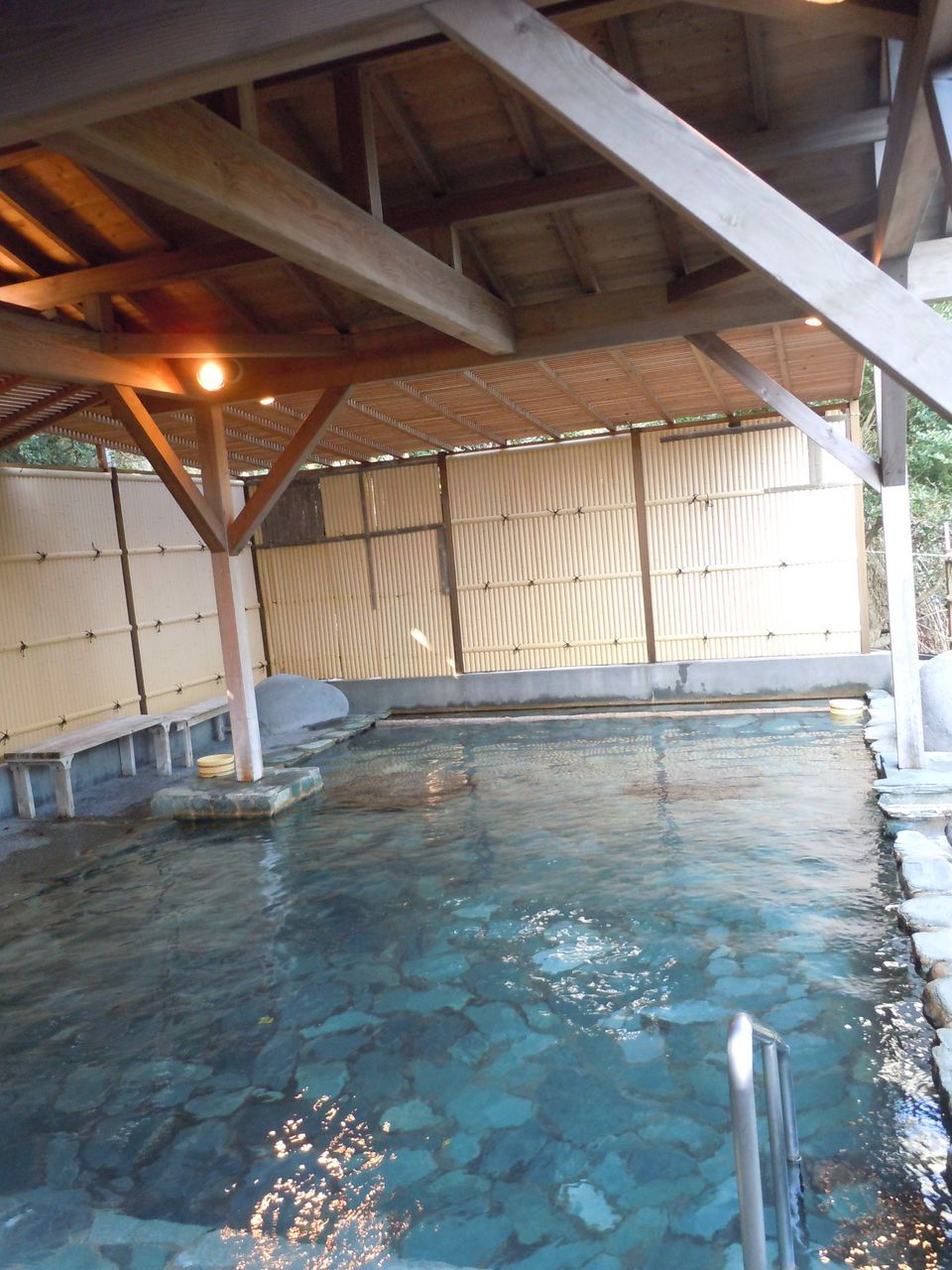 温泉は本物!大きく立派な湯に入れる極上風呂!
