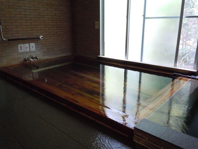 学校で楽しむ温泉?!変わり種の湯に入れる「やまびこ荘」