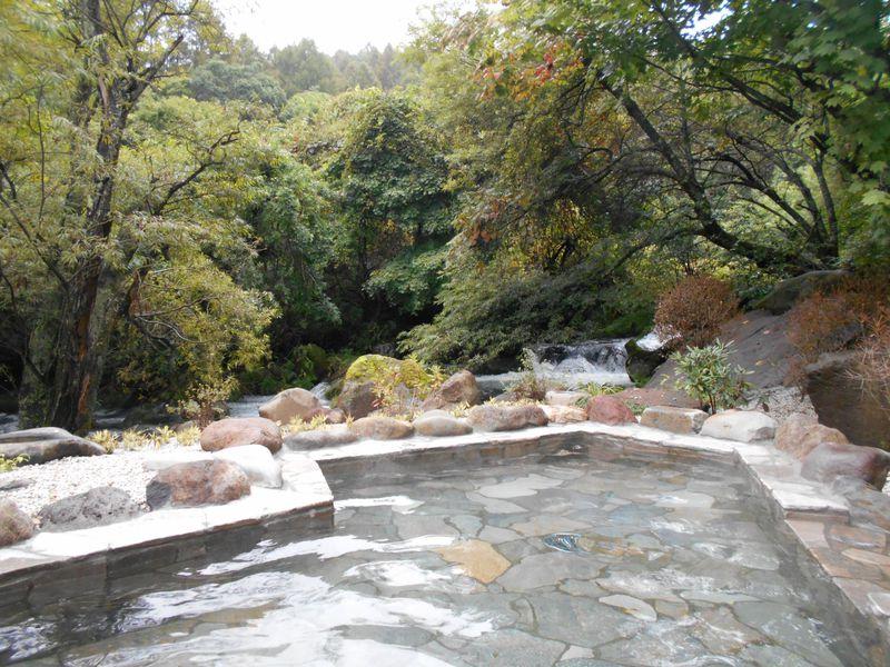 絶景風呂&美食にリピーター続出!「蓼科グランドホテル滝の湯」