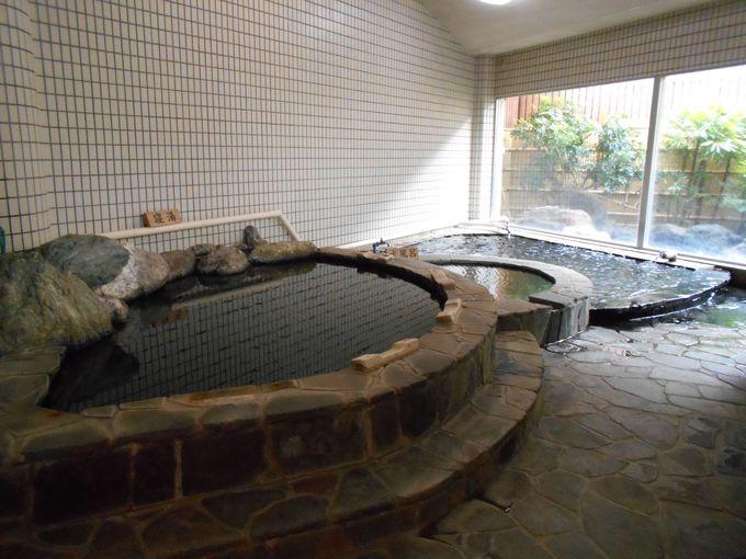 癒し度満点!疲れに効〜く「寝湯」も完備する大浴場