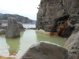 海辺の絶景露天風呂でリフレッシュ!神津島温泉保養センター|東京都|トラベルjp<たびねす>