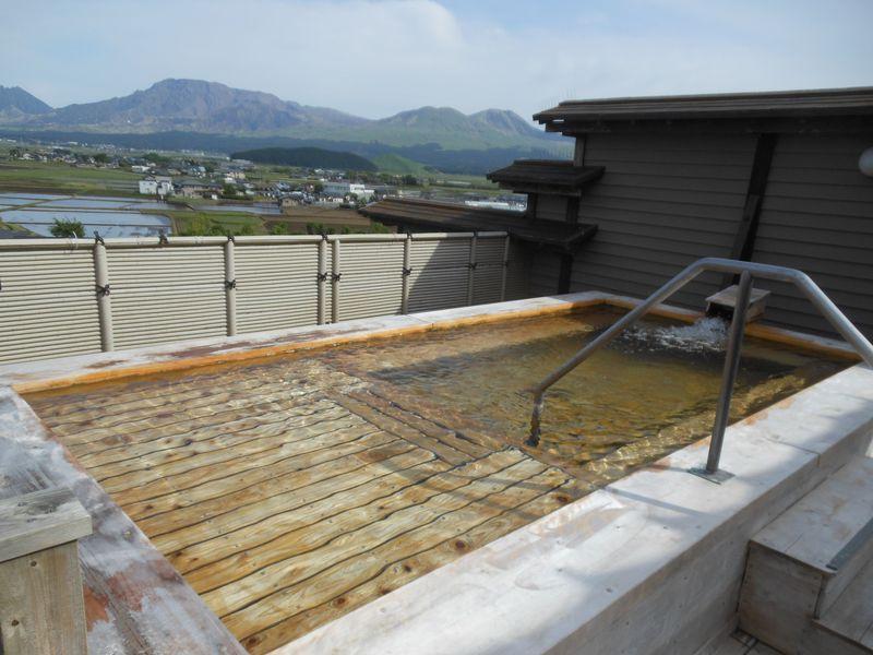 阿蘇No.1の絶景風呂!熊本・内牧温泉「阿蘇プラザホテル」