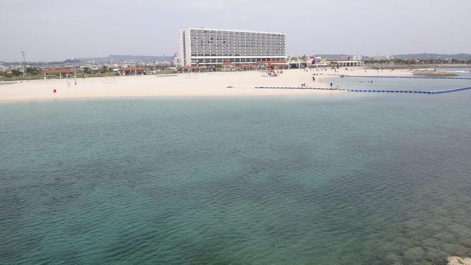 リゾートホテルが目の前に!美々ビーチいとまんで海水浴