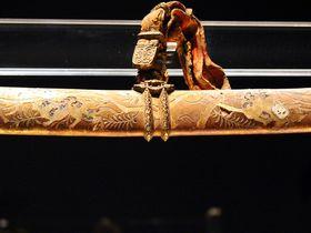 注目の国宝「金地螺鈿毛抜形太刀」リニューアルした奈良・春日大社国宝殿&東京国立博物館へ|奈良県|トラベルjp<たびねす>