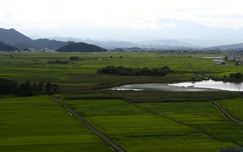 おすすめのぶどう園「もぎとり園ささき」から眺める「美しい日本のむら景観百選」