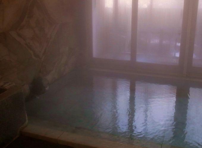 自然湧出の自家源泉!向瀧の温泉で心までぽっかぽか!
