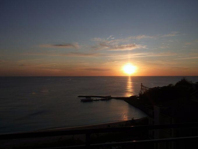"""海に沈む夕陽は""""ブセナテラス""""でサックスのライブ演奏とともに!"""
