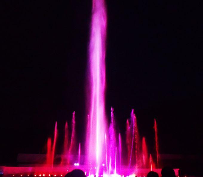 """時之栖イルミネーション、迫力の噴水パフォーマンス""""ヴェルサイユの光"""""""