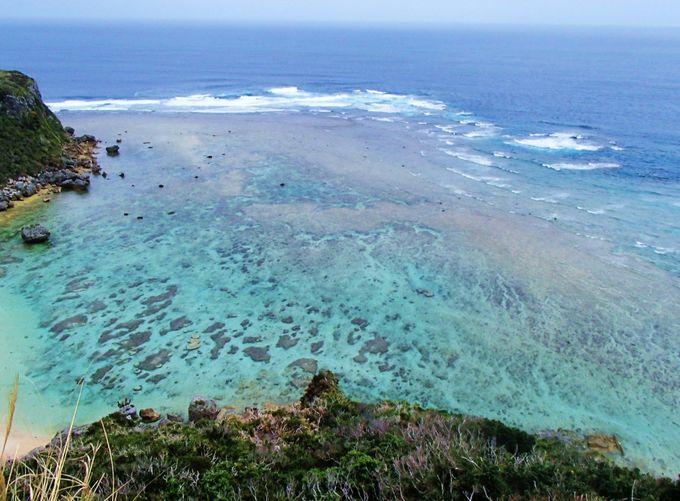 この海がぬちまーすになる!スゴイ透明感の海「幸せ岬」に感動!