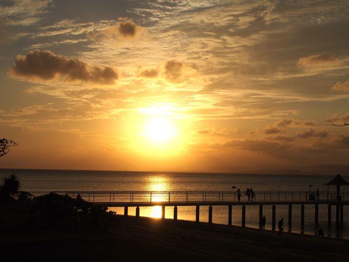 最高の夕陽スポット!「フサキリゾート」の海にかかる幸せの桟橋
