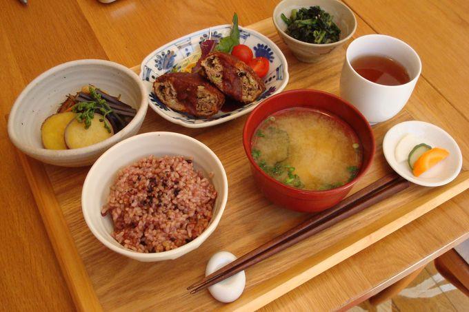 和洋中にエスニック、伝統食もありのジャンルに縛られない日本の「おうちごはん」で心も体も元気